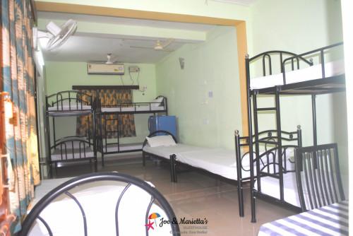 Cinnamon Dorm room Beds for 9